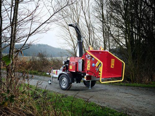 TP 130 Mobile Holzhacker auf PKW Fahrwerk