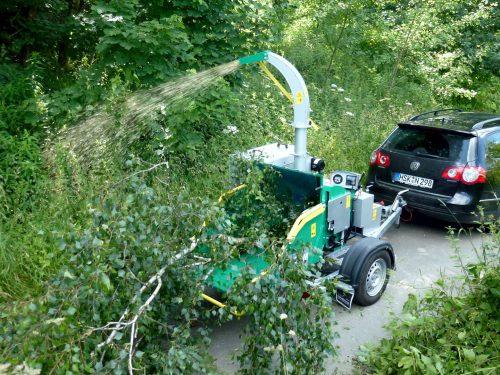 HS Holzhacker auf PKW Anhänger 170 km