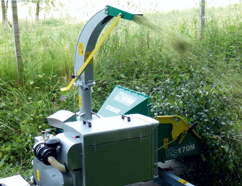 HS Holzhacker mit PKW Fahrwerk und Dieselmotor