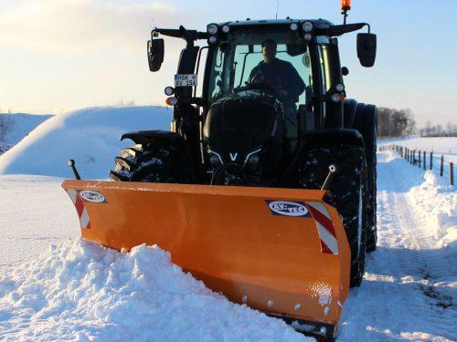 Profi Schneeschild für Traktor von AVTEC