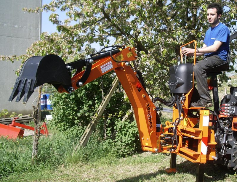 DIGGER Heckbagger Anbaubagger Serie L