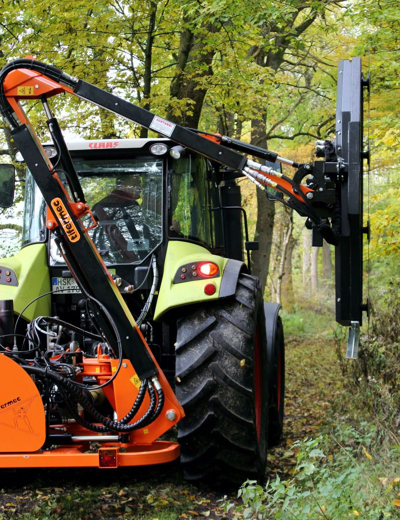 Tifermec Ausleger für Traktor mit Astsäge