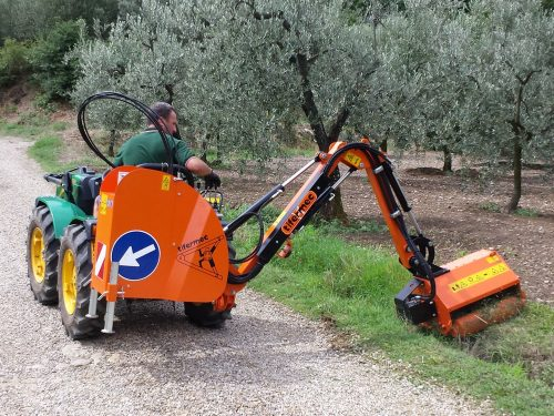 Tifermec Ausleger für Kleintraktor Serie F